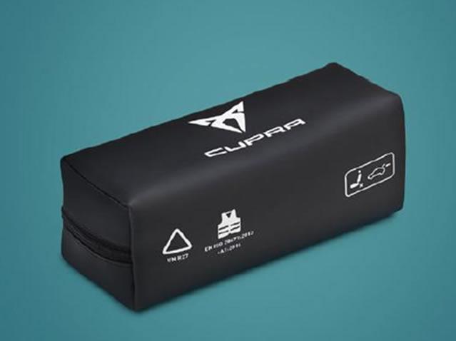 CUPRA safety kit (1 triangle)